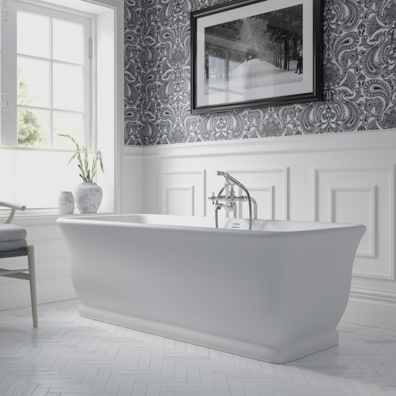 Mortlake bathtub