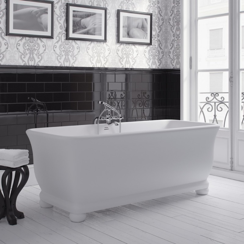 Putney bathtub