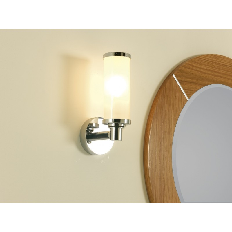 Carlion wall light