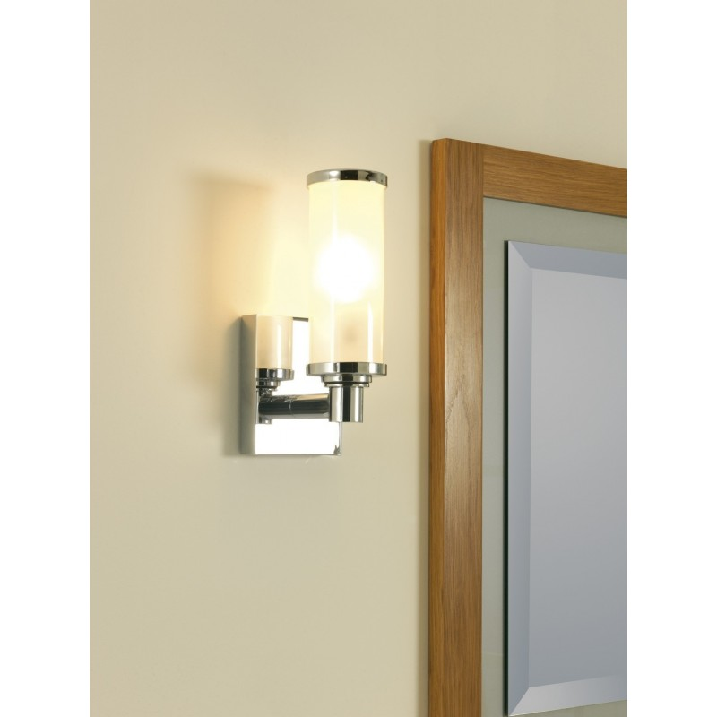 Radcliffe wall light